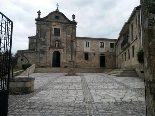 Cuntis Mosteiro